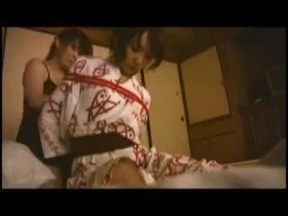 【女性向けのレズビアンムービー】レズビアン女子達のお泊まり温泉旅行