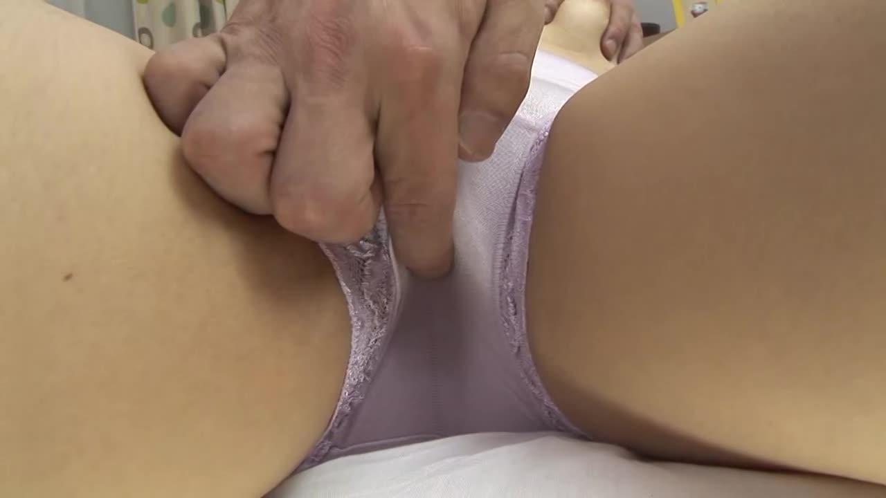 長谷川文子 垂れた巨乳おっぱいを乱暴に愛撫されパンツをマン汁でぐっしょり濡らす高齢熟女…